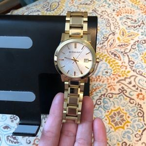 Unisex Burberry mother of Pearl Watch